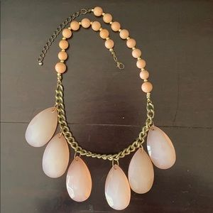 Jewelry - Pink chunky necklace